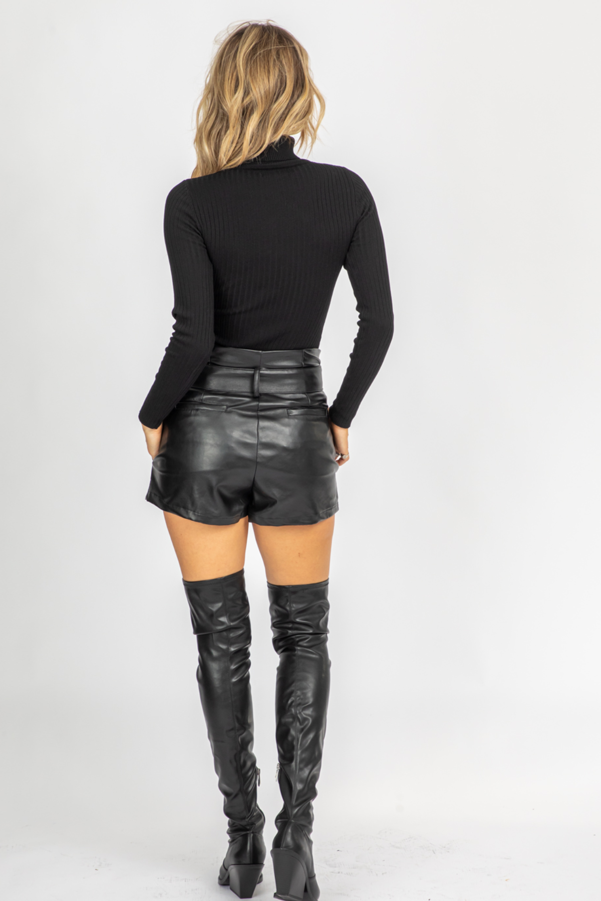 BLACK VEGAN LEATHER BELTED SHORTS