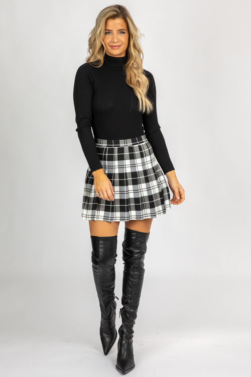 BLACK PLAID PLEATED MINI SKIRT