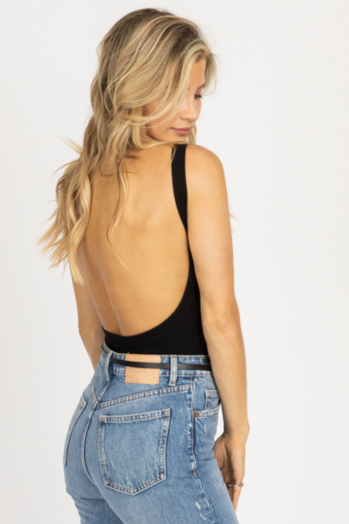 BLACK RIBBED BACKLESS BODYSUIT