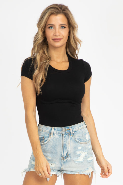 BLACK RIBBED SHORT SLEEVE TEE