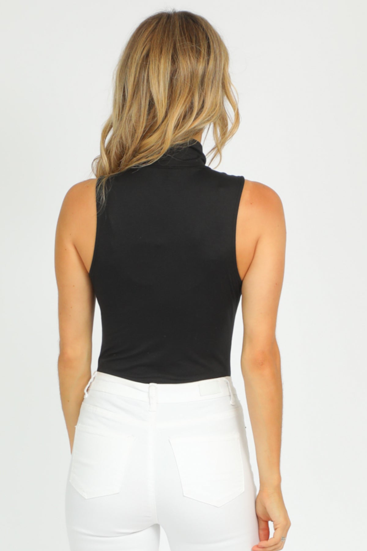 BLACK TURTLENECK SLEEVELESS BODYSUIT