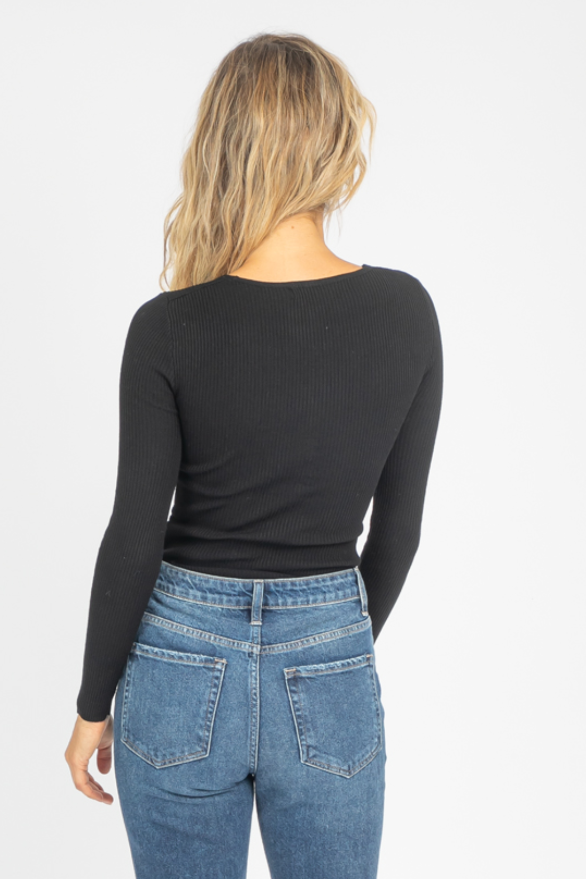 TWISTED FRONT KNIT TOP IN BLACK