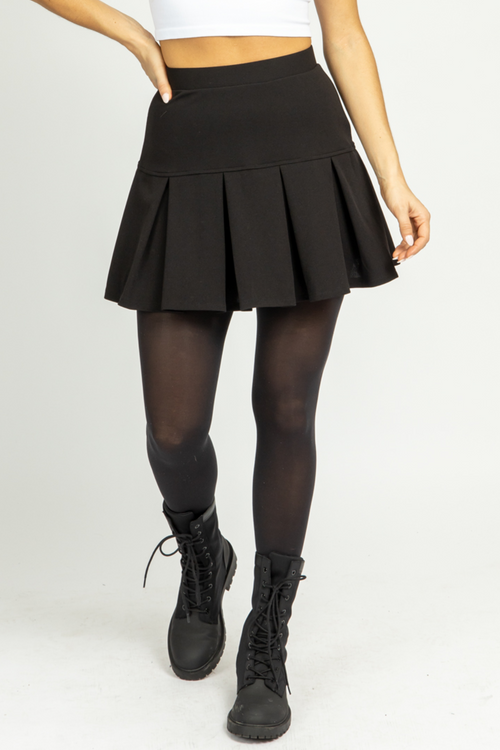 BLACK WIDE PLEATED SKIRT