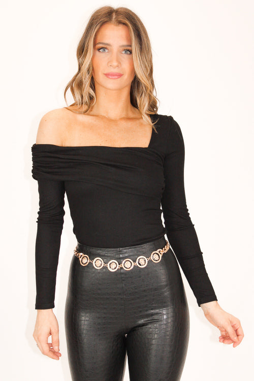 ONE SHOULDER KNIT RIBBED TOP IN BLACK
