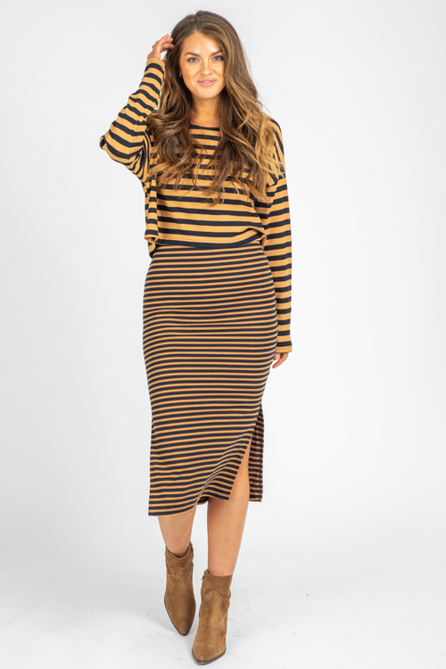 BROWN STRIPED MAXI SET