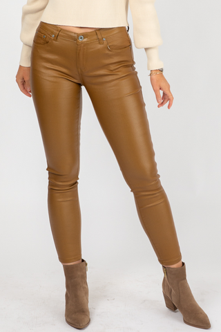 CAMEL VEGAN LEATHER BELTED SHORTS