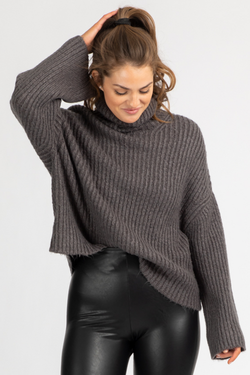 CHARCOAL OVERSIZED RIBBED SWEATER