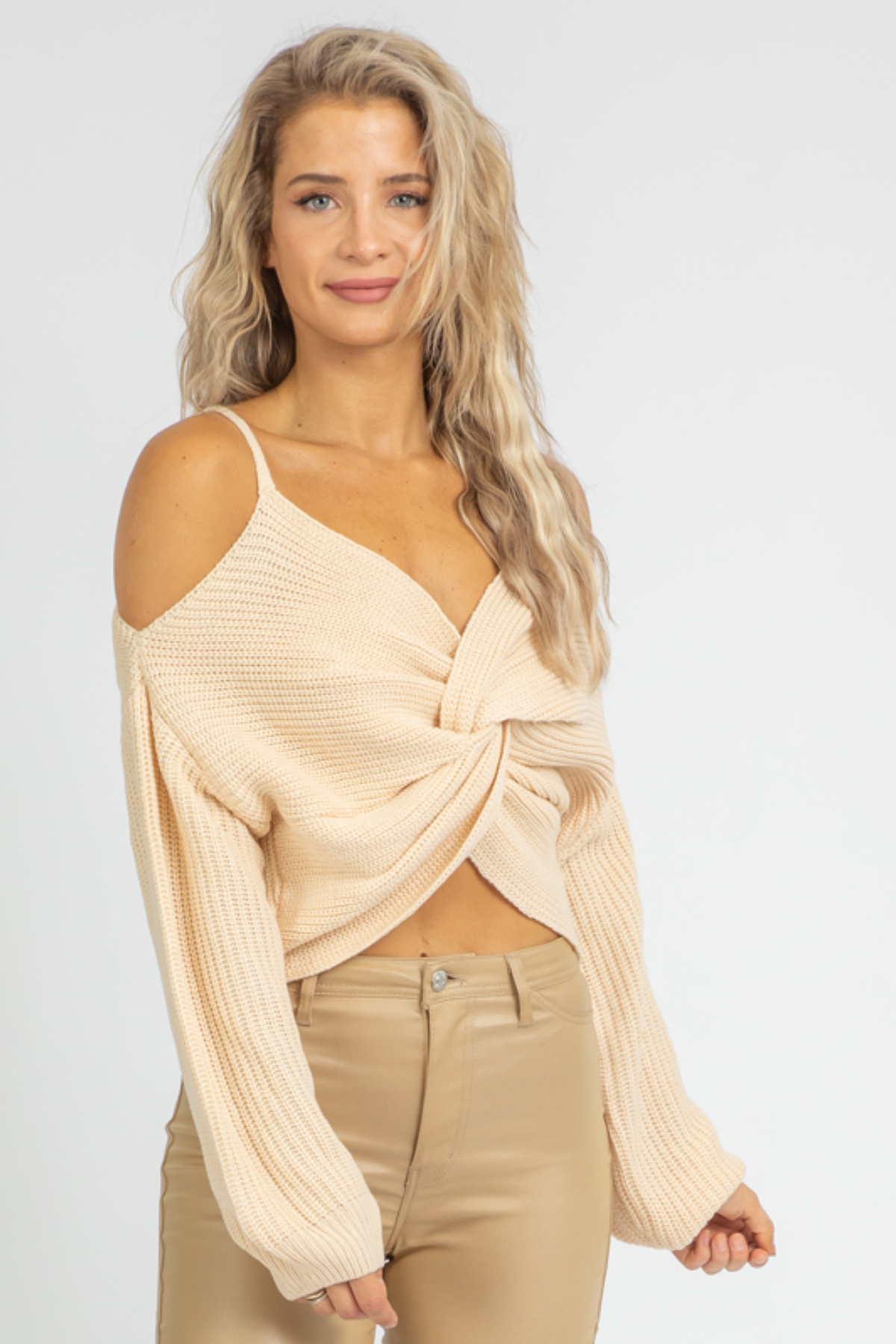 CREAM COLD SHOULDER TWISTED KNIT