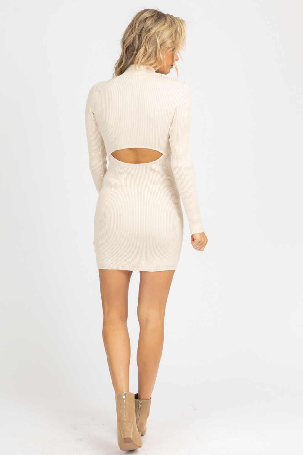 CREAM BACK CUTOUT RIBBED MINI