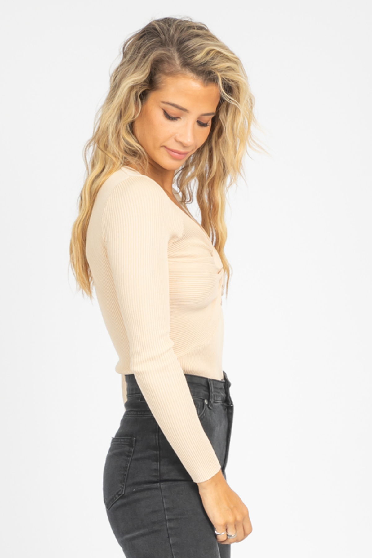 TWISTED FRONT KNIT TOP IN NUDE