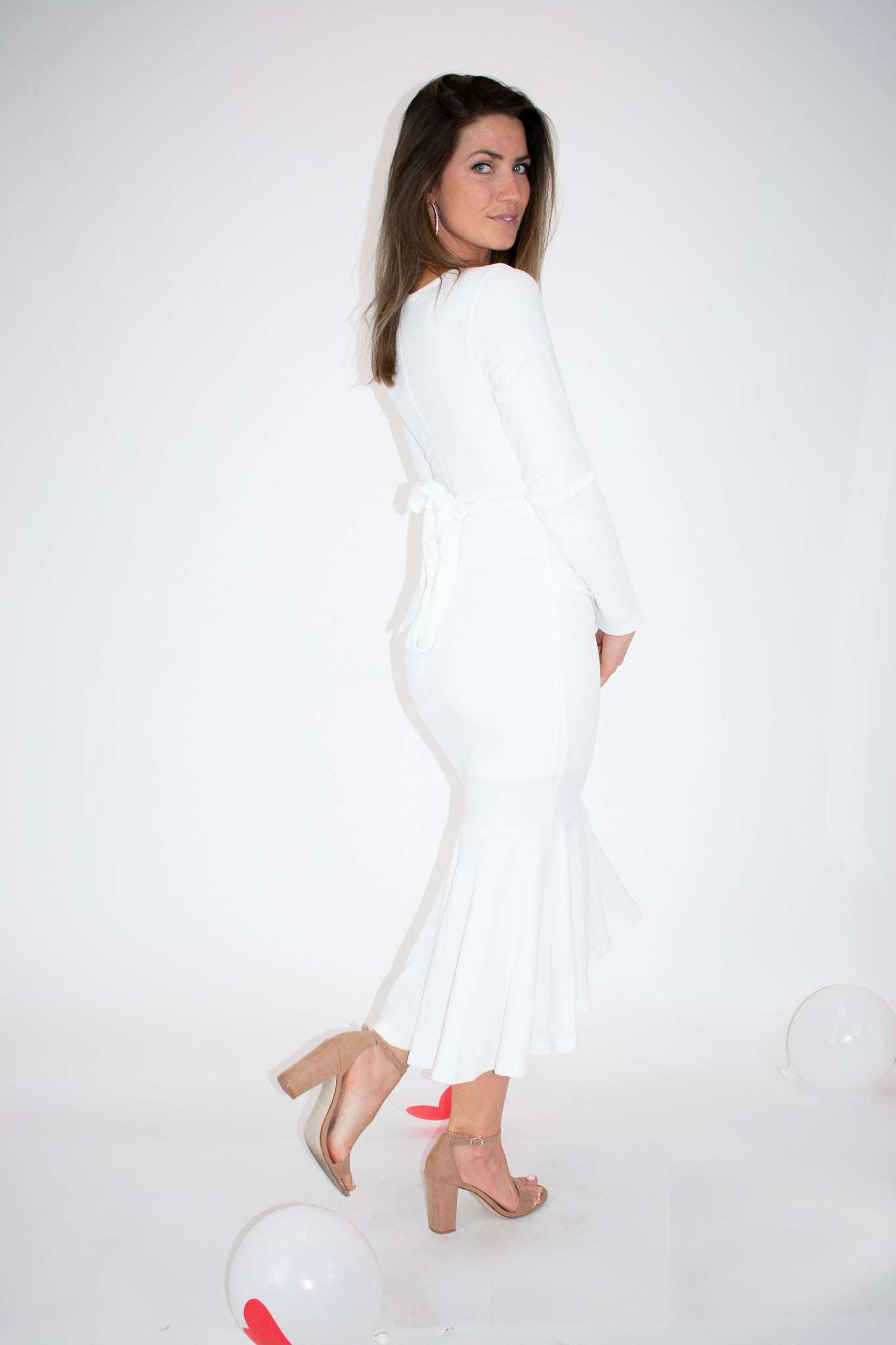 WHITE RUFFLE HEM DRESS / FINAL CLEARANCE