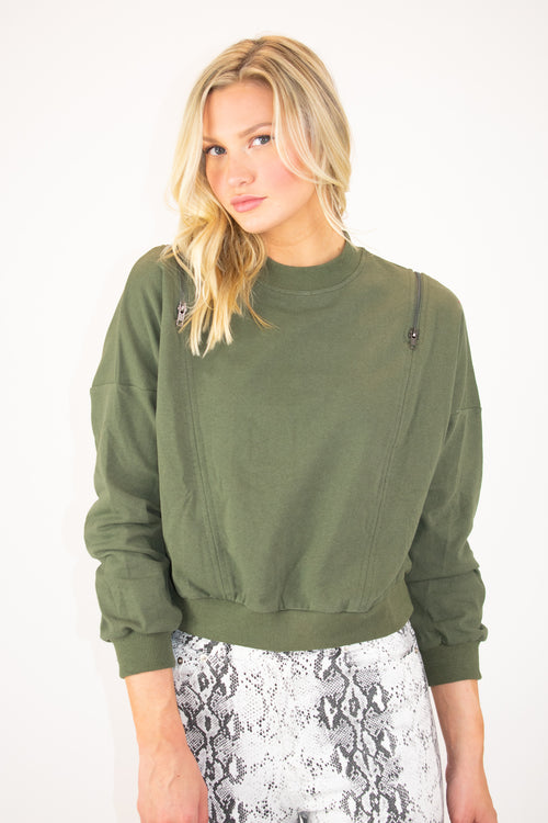 ZIPPERED SWEATSHIRT