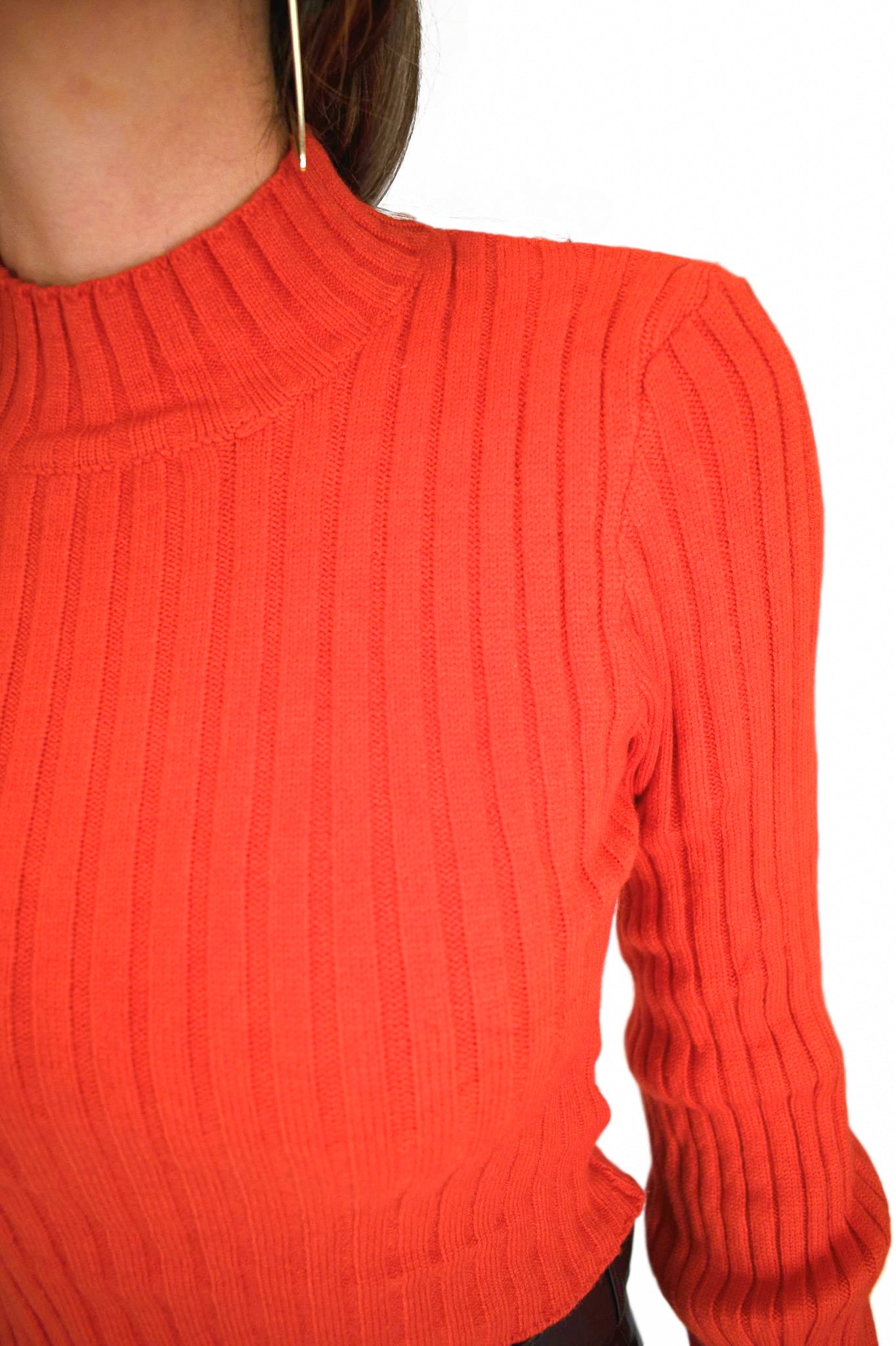 BACK UP SWEATER IN TOMATO