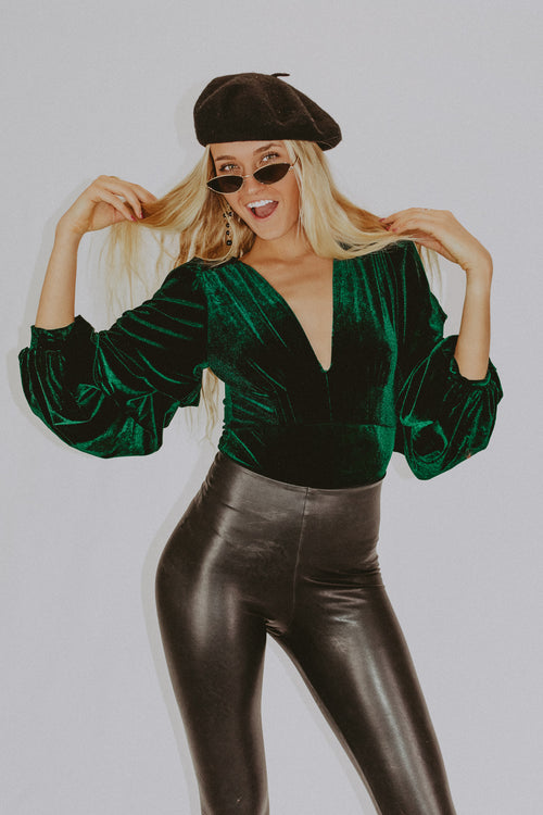 16 CANDLES VELVET BODYSUIT IN EMERALD