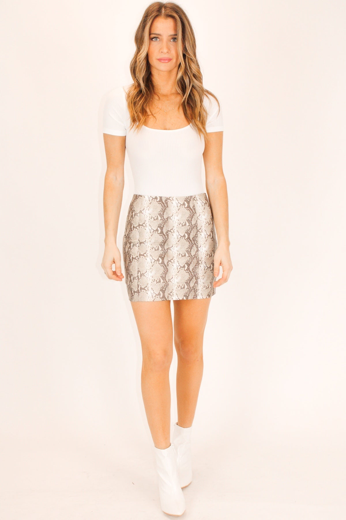 LEATHER TAUPE SNAKESKIN SKIRT