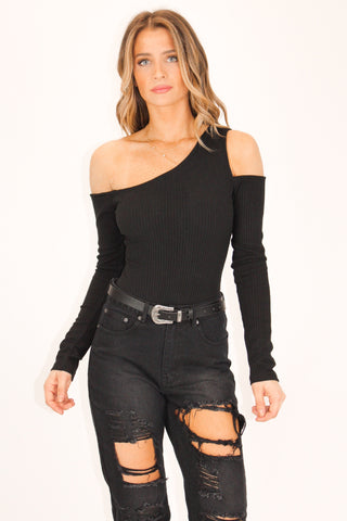 ONE SHOULDER HIGH-QUALITY BODYSUIT IN BLACK