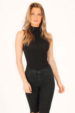 RIBBED SQUARE-NECK BODYSUIT IN BLACK