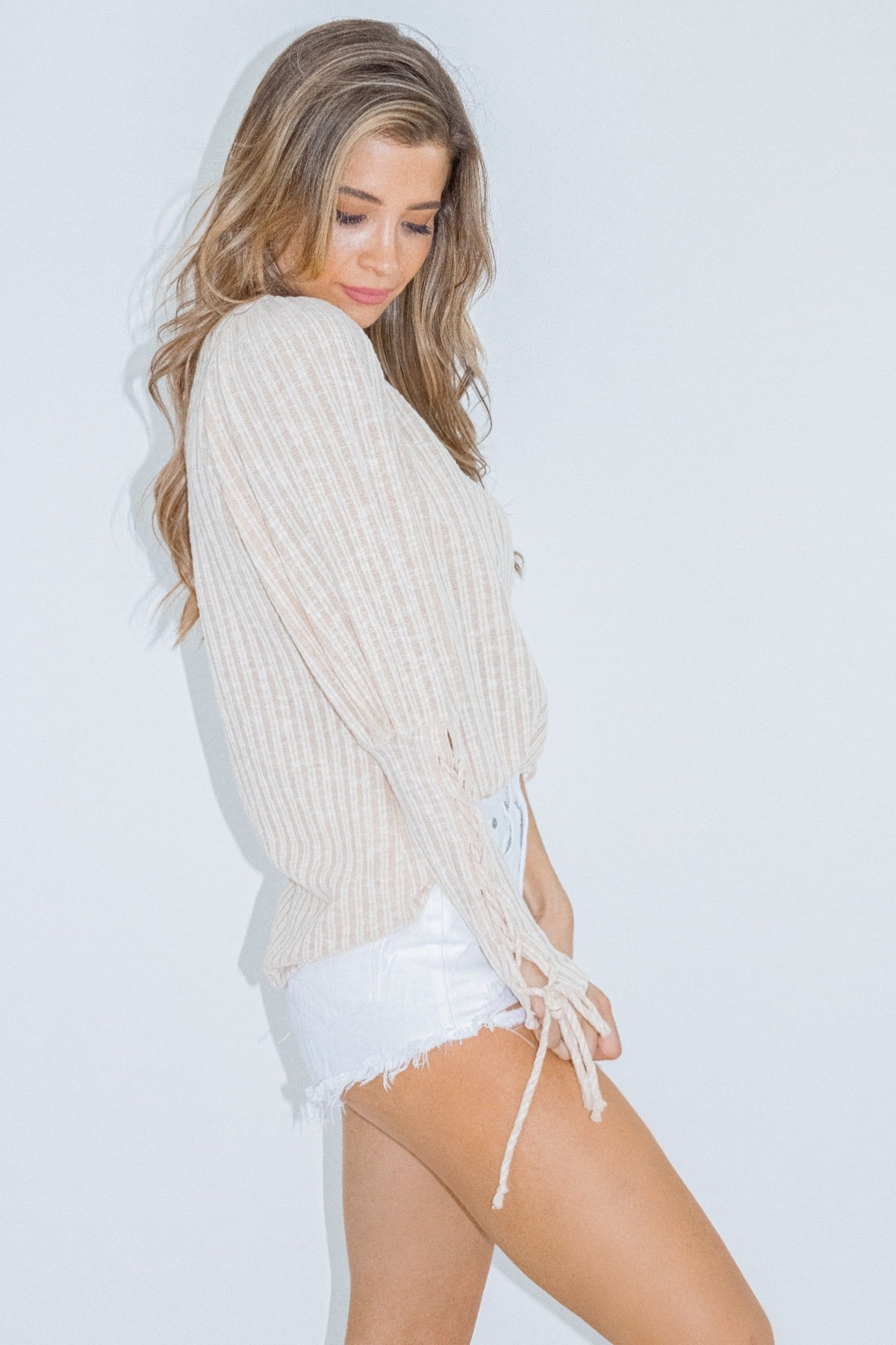 CREAM RIBBON SLEEVE KNIT