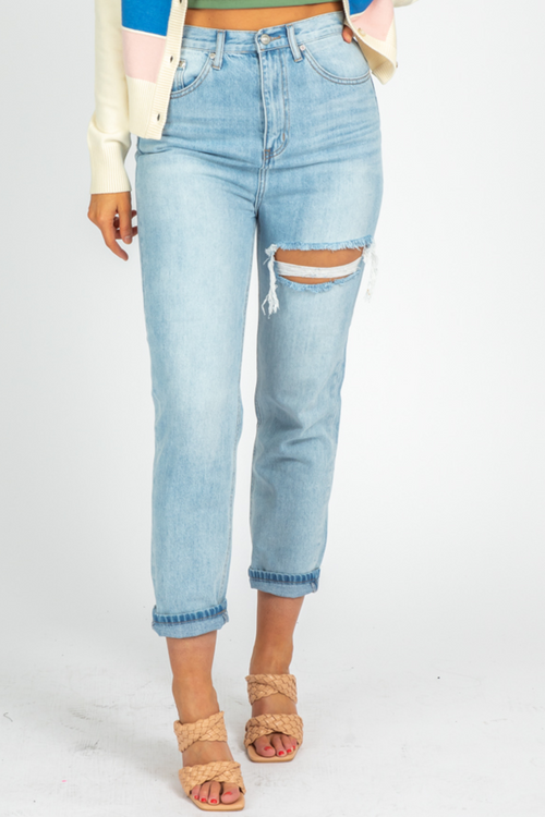 FRONT SLIT LIGHTWASH MOM JEANS
