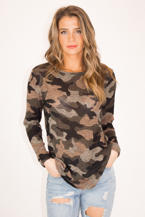 CAMO LONG SLEEVE KNIT TOP