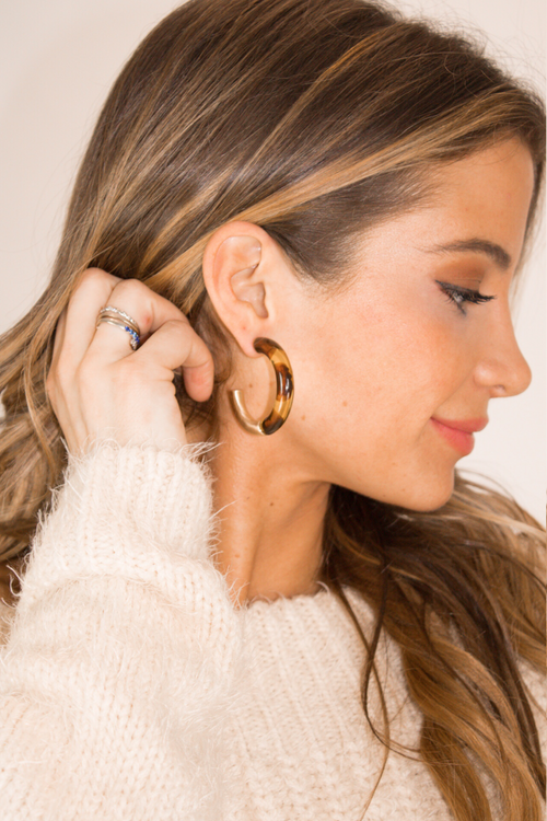 TORTOISE + GOLD HOOPS