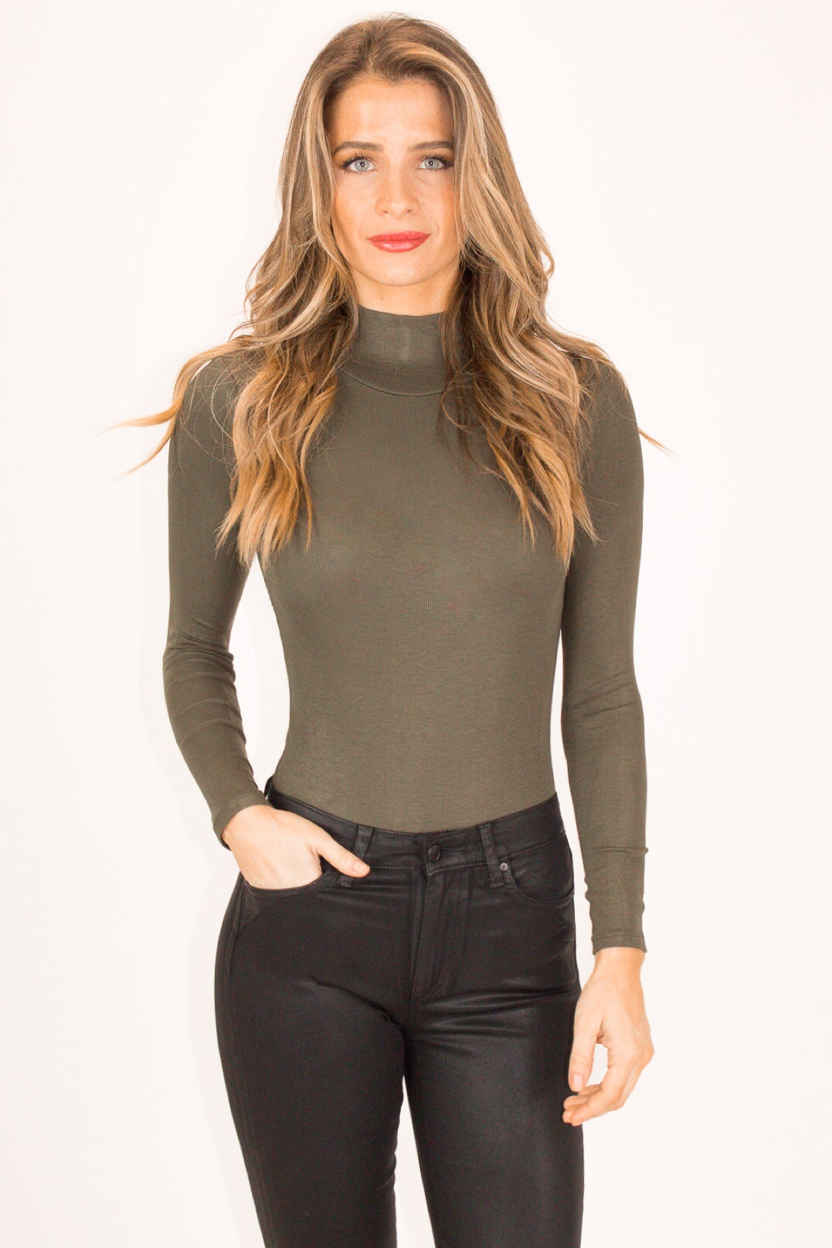 RIBBED TURTLENECK BODYSUIT IN OLIVE
