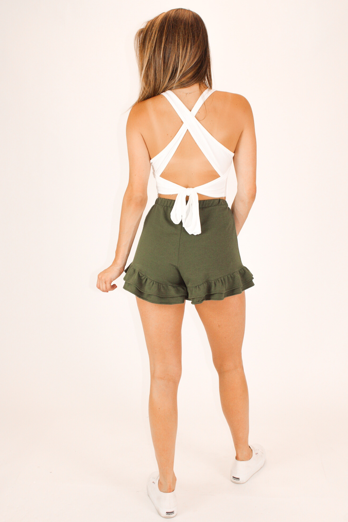 SOFT RUFFLE SHORTS IN OLIVE