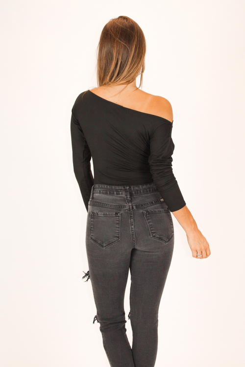 BUTTER SOFT OFF SHOULDER BODYSUIT IN BLACK