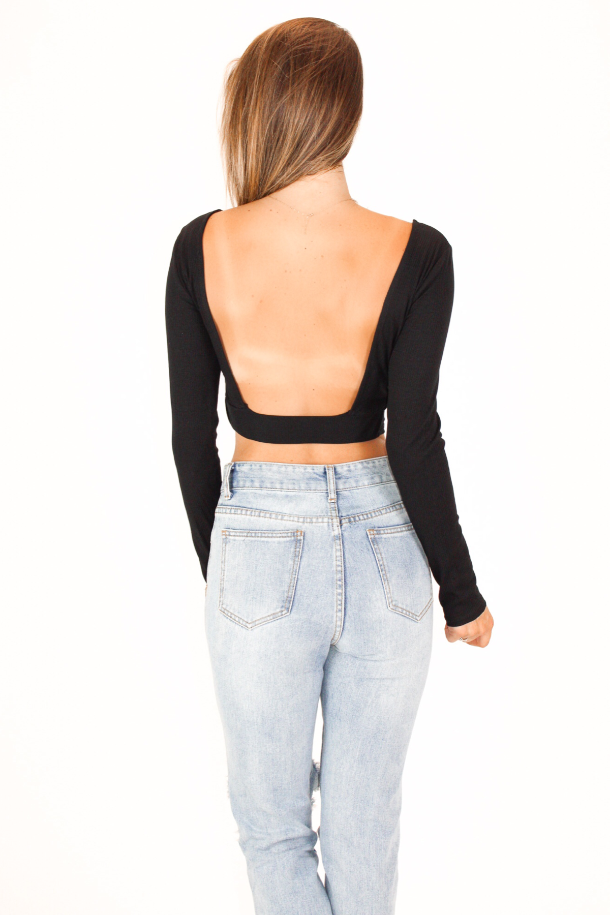 OPEN BACK LONG SLEEVE CROP IN BLACK / FINAL CLEARANCE