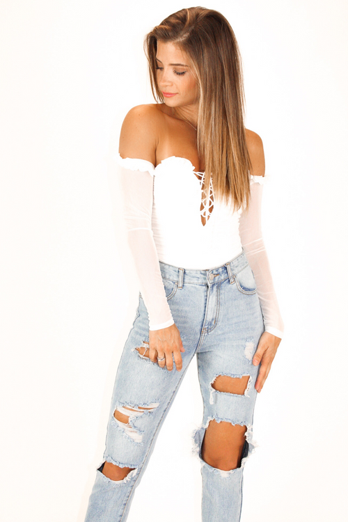 RUCHED WHITE LONG SLEEVE BODYSUIT