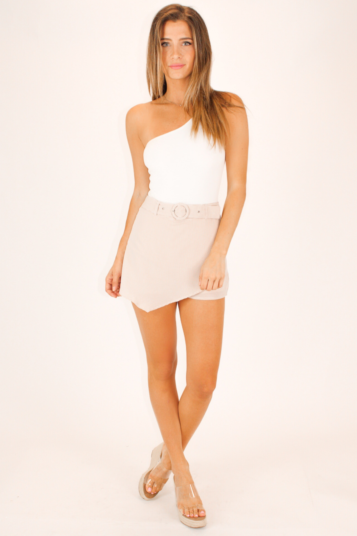 ASYMMETRICAL BELTED TAN PATTERN MINI SKORT