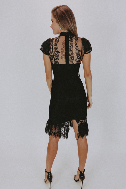BLACK LACE SHORT SLEEVED MIDI DRESS