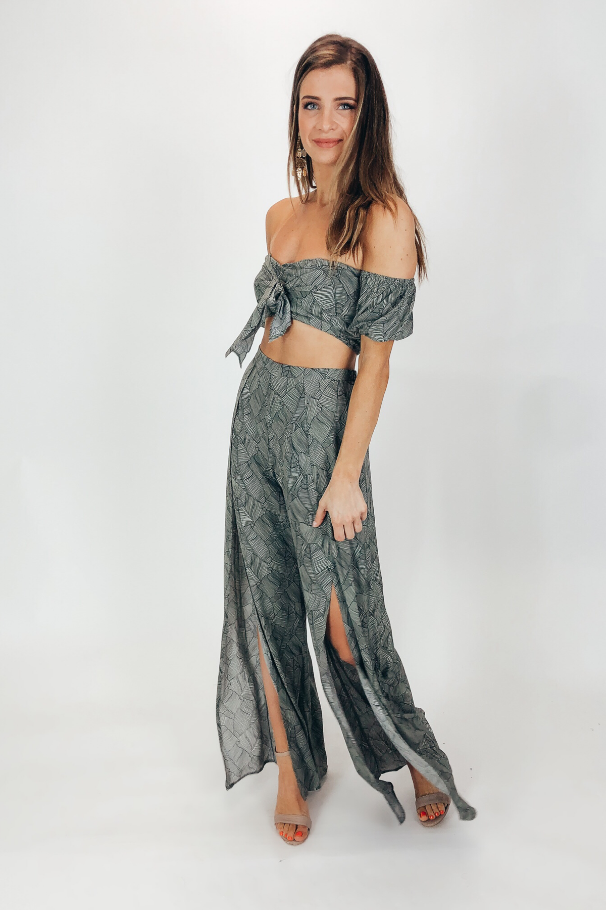 BUBBLE SLEEVE CROP AND SLIT PANT SET IN PATTERN