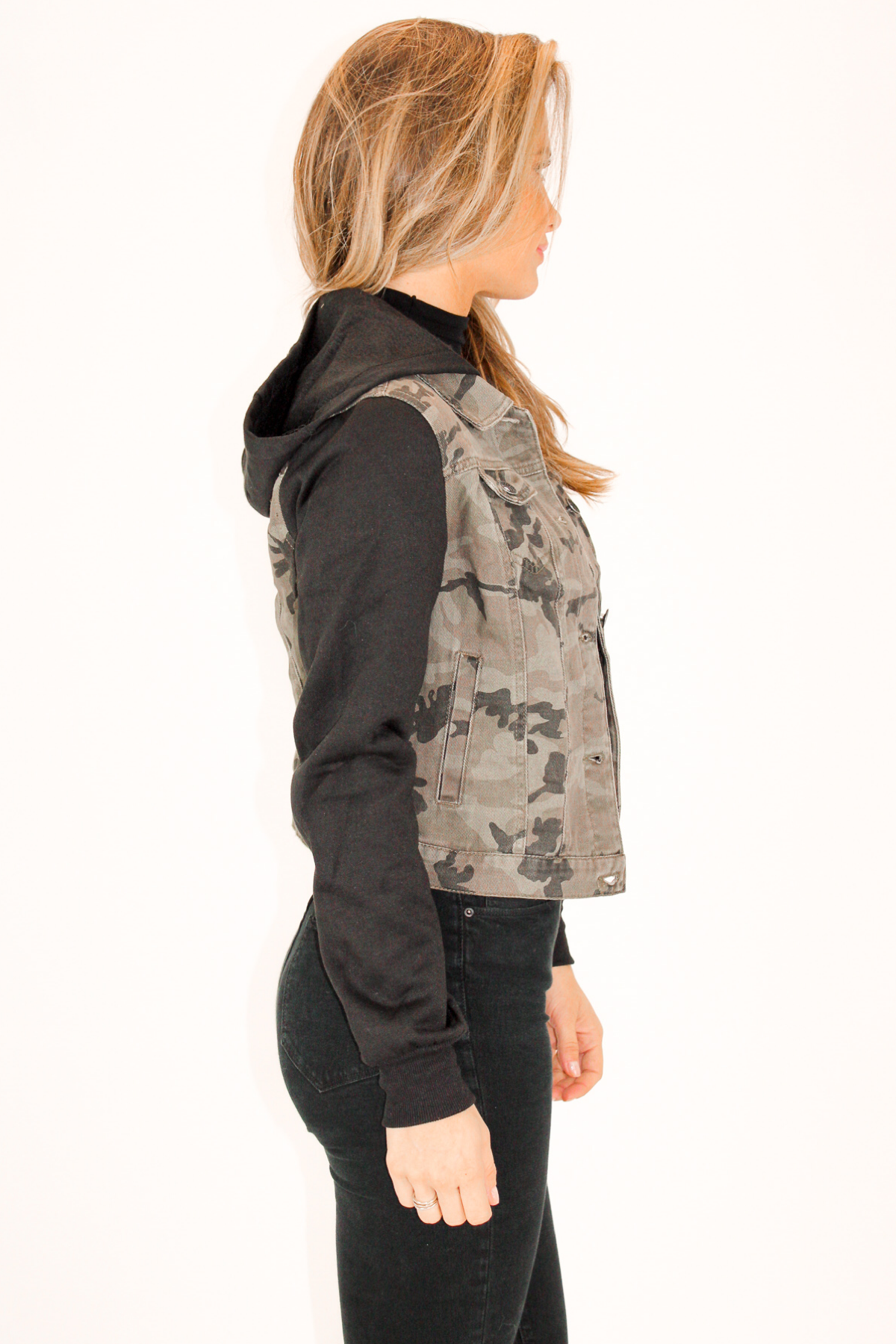 CAMO HOODED FLEECE JACKET