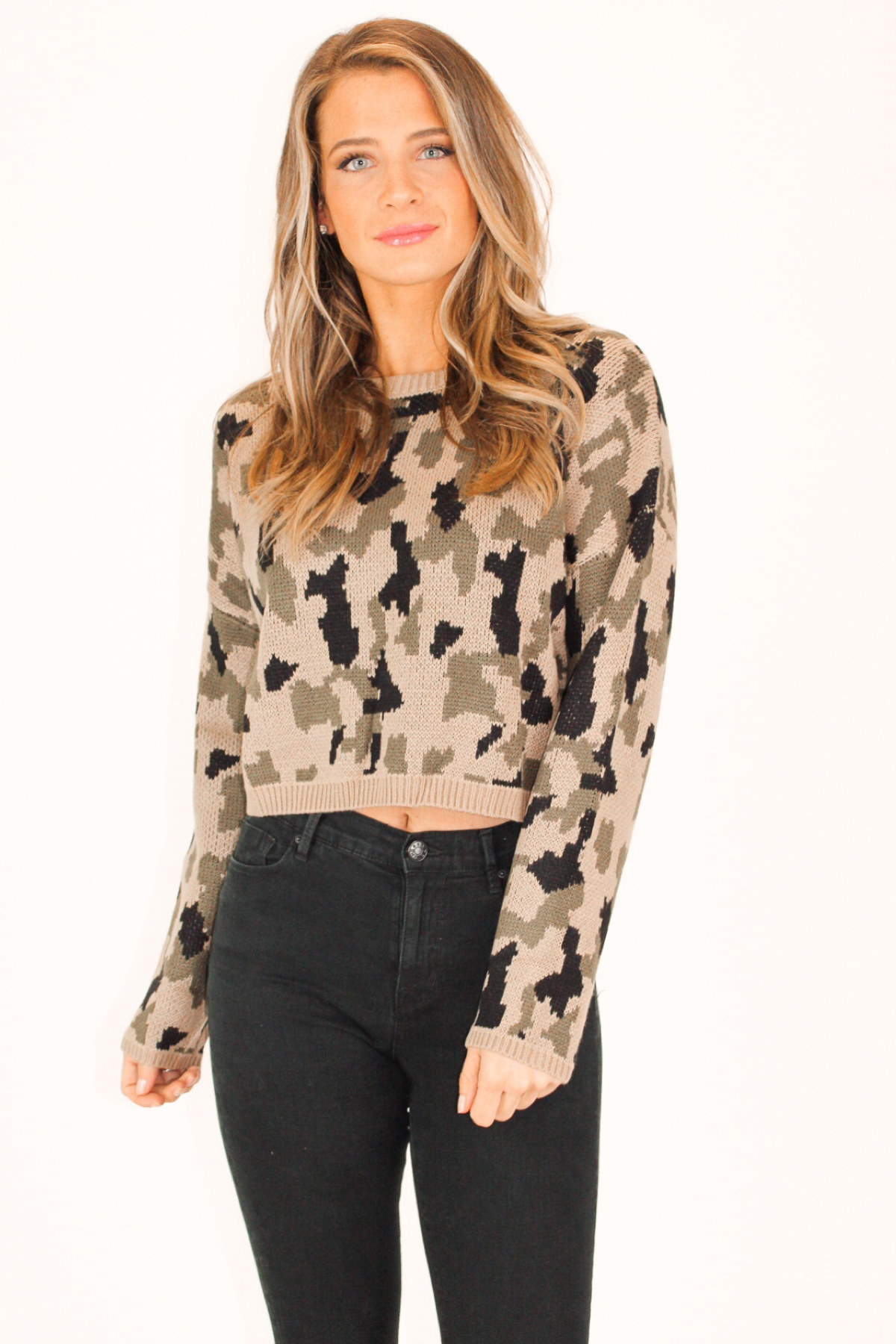 CAMO PRINT KNIT CROPPED SWEATER IN TAUPE COMBO