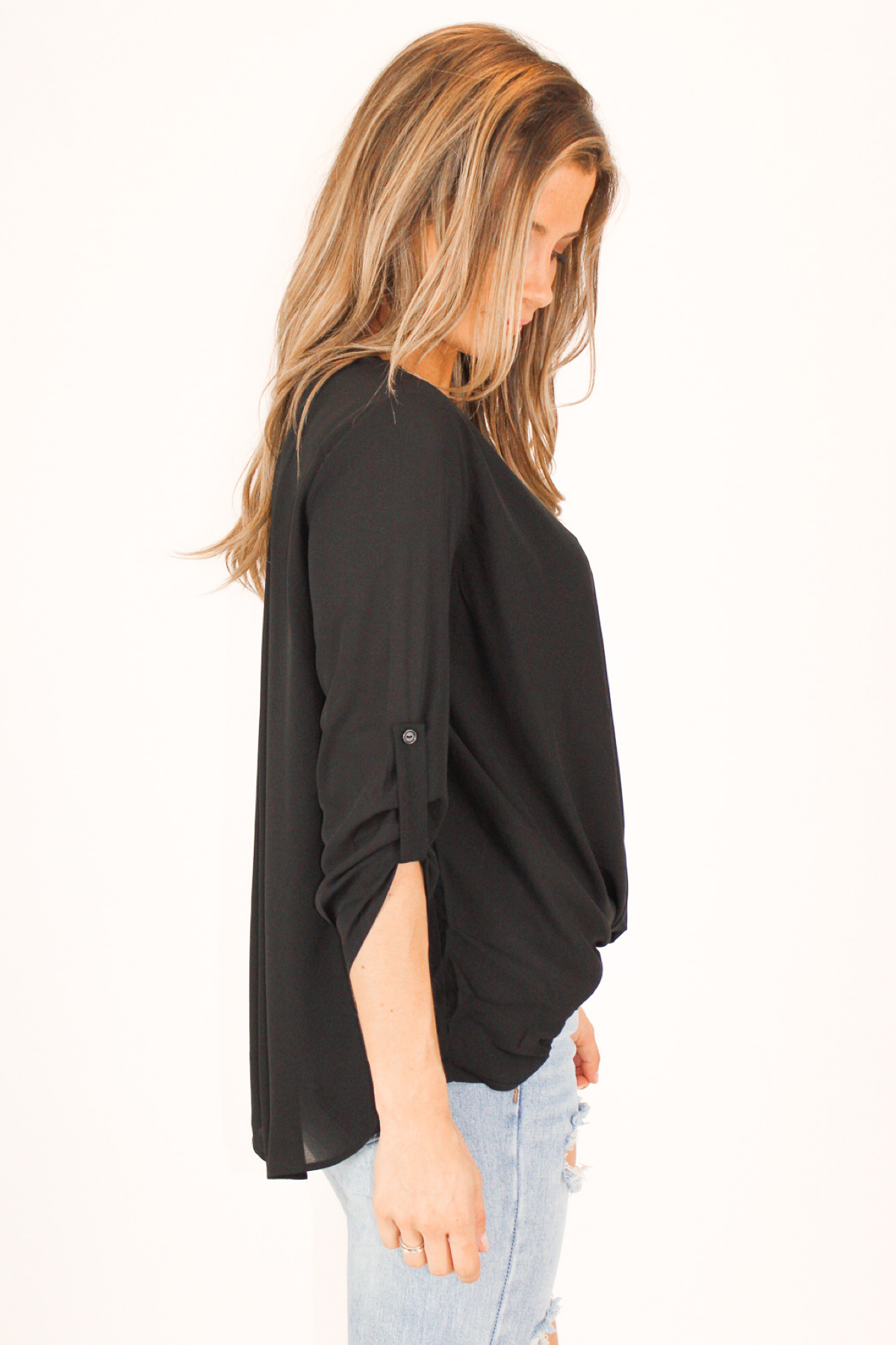 BLACK TAB SLEEVE SURPLICE TOP