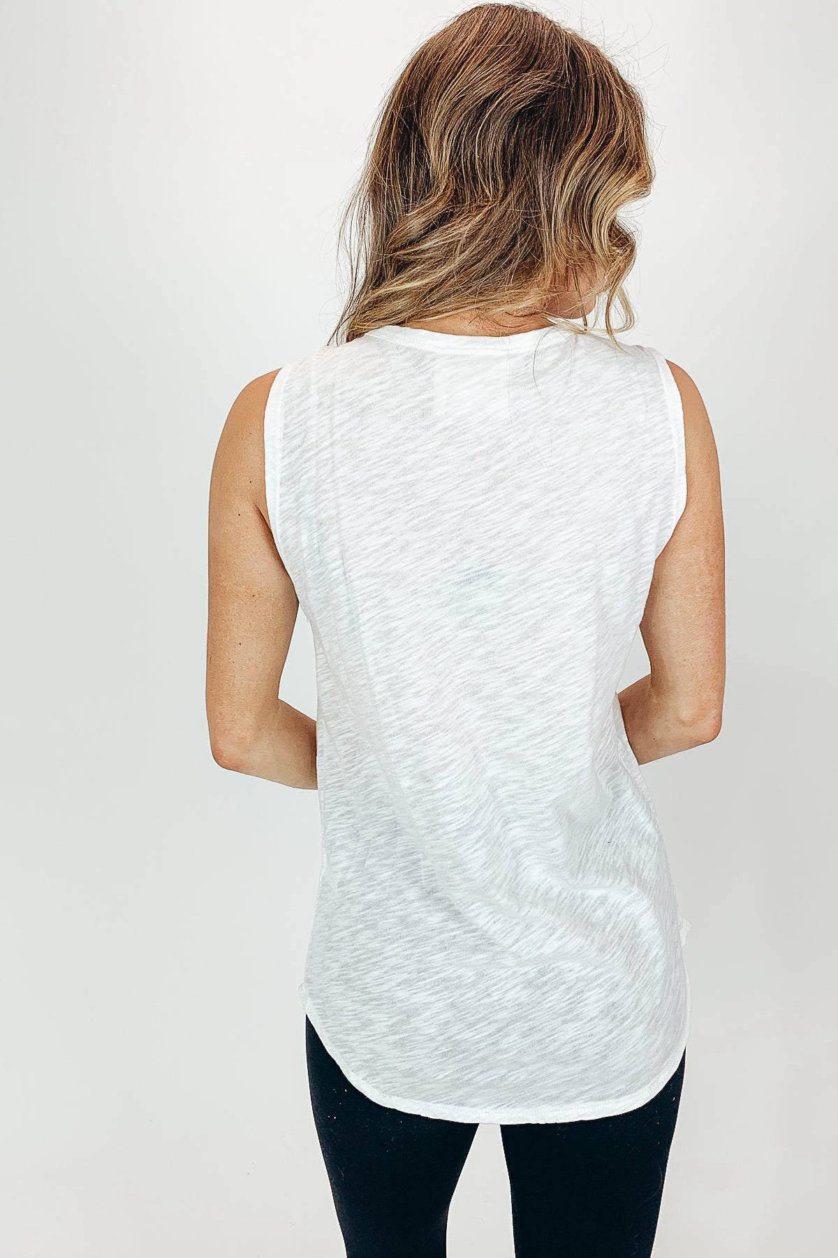 DISTRESSED LIGHTNING BOLT TANK IN WHITE