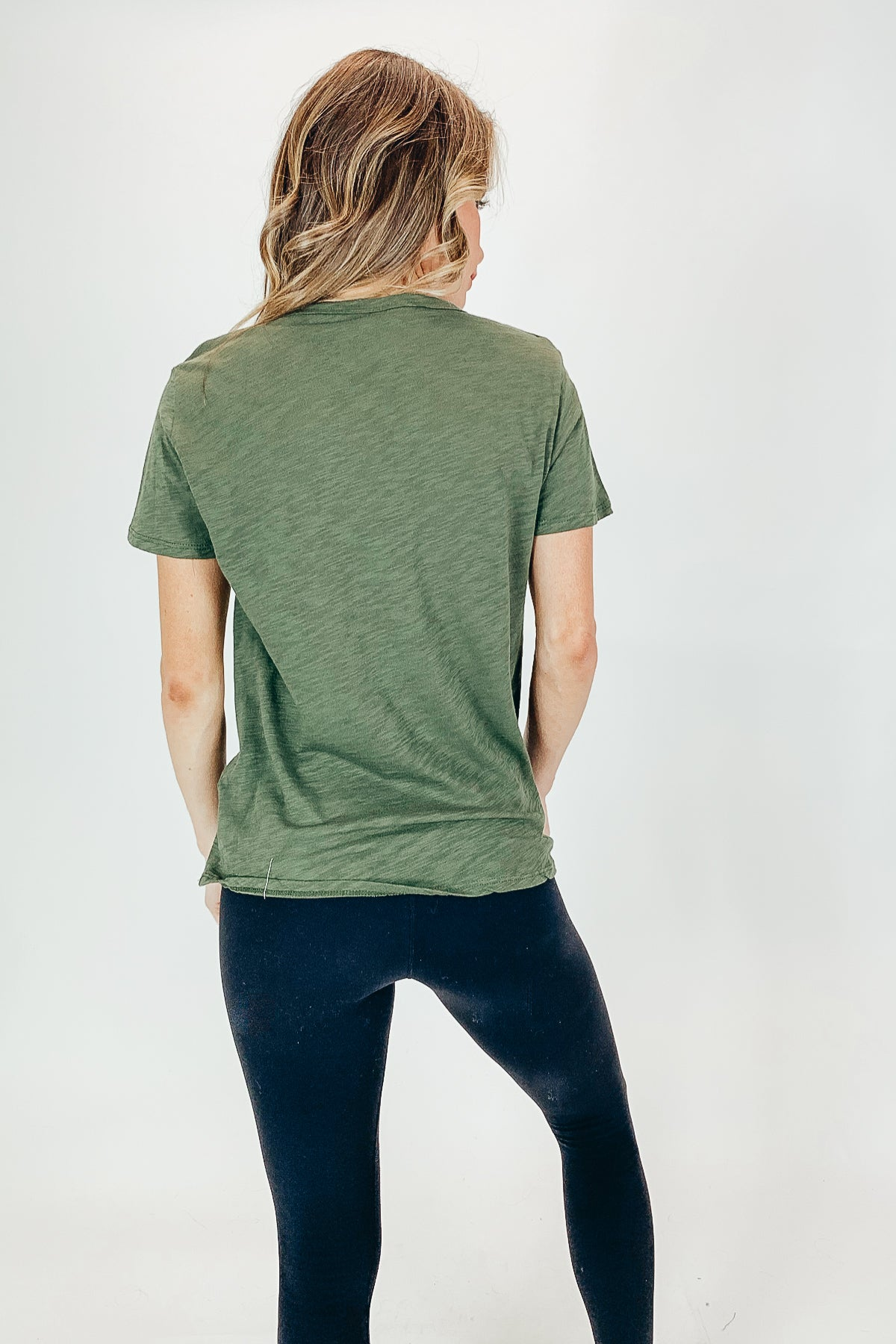 DISTRESSED TEE IN OLIVE
