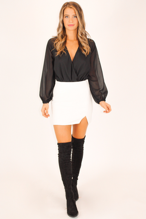 WHITE VEGAN LEATHER FRONT SLIT MINI SKIRT