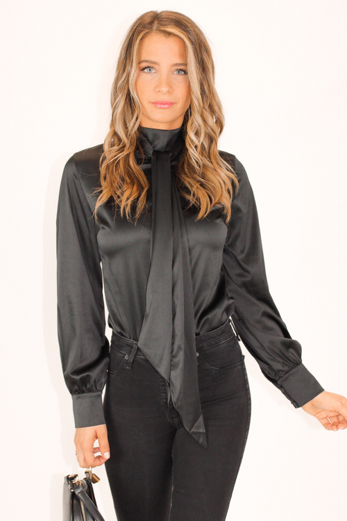 PUFFED SLEEVE SCARF TOP IN BLACK