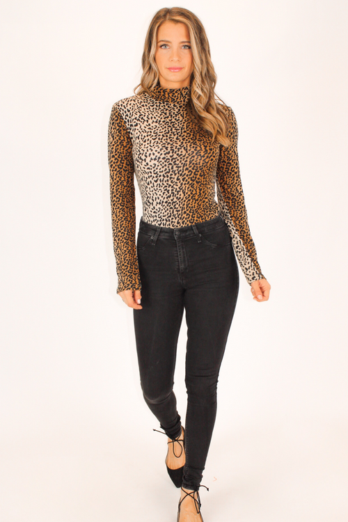 LEOPARD MOCK NECK KNIT TOP