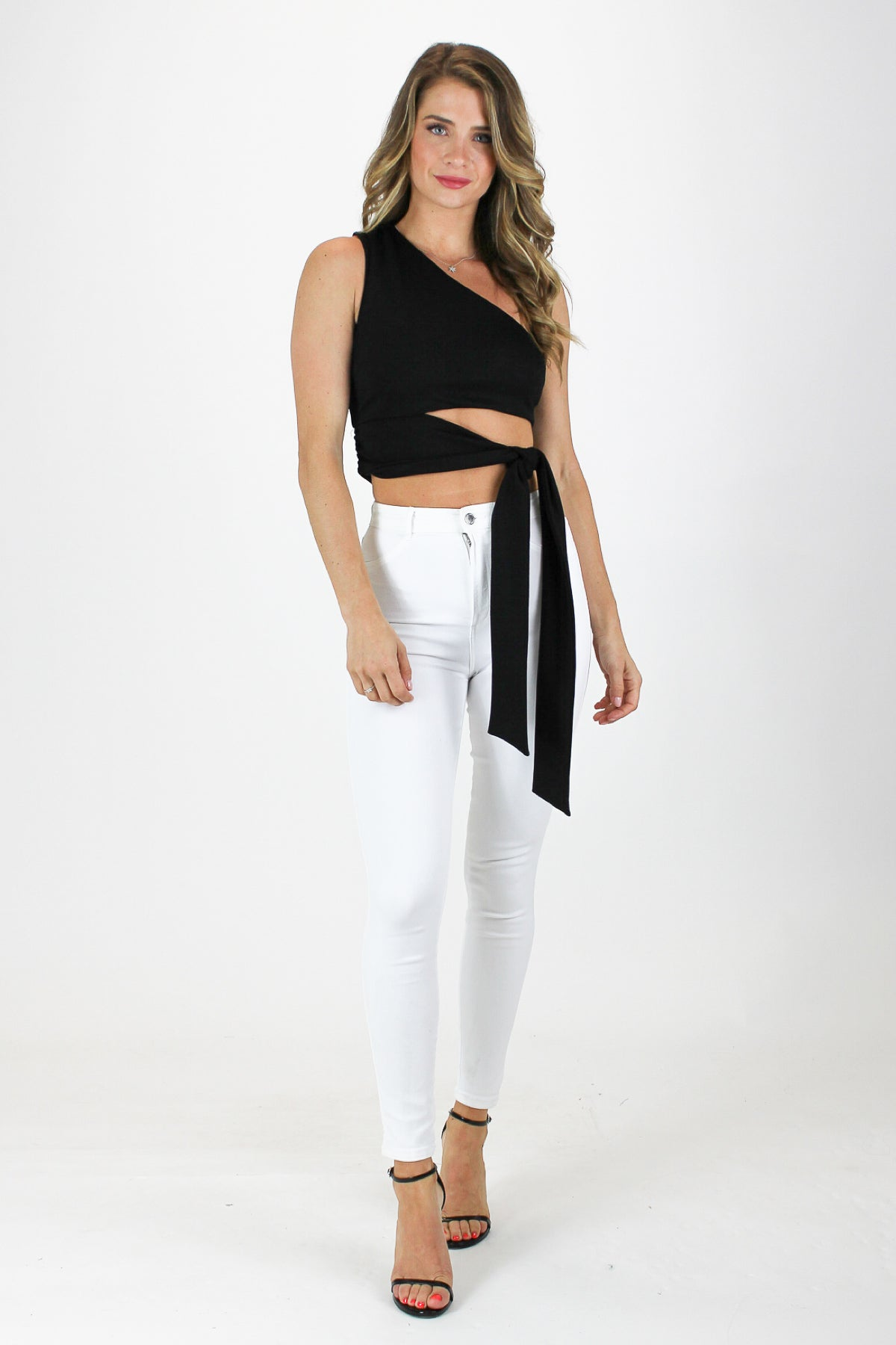 BEST SIDE CROPPED TOP IN BLACK