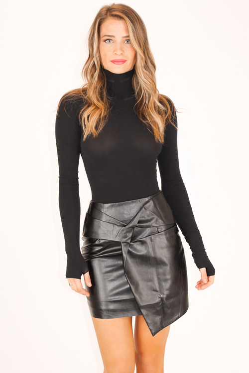 LEATHER TWIST SKIRT IN BLACK
