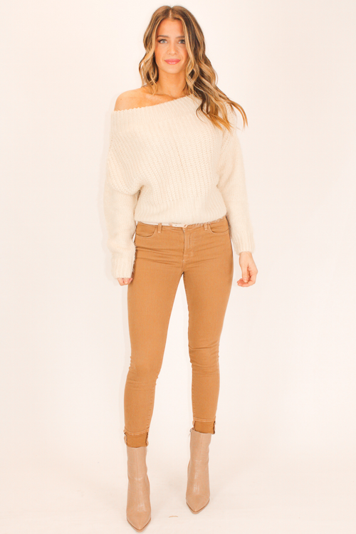 OFF SHOULDER ECRU SWEATER