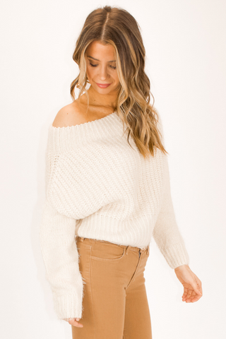 ONE SHOULDER GREY SWEATER