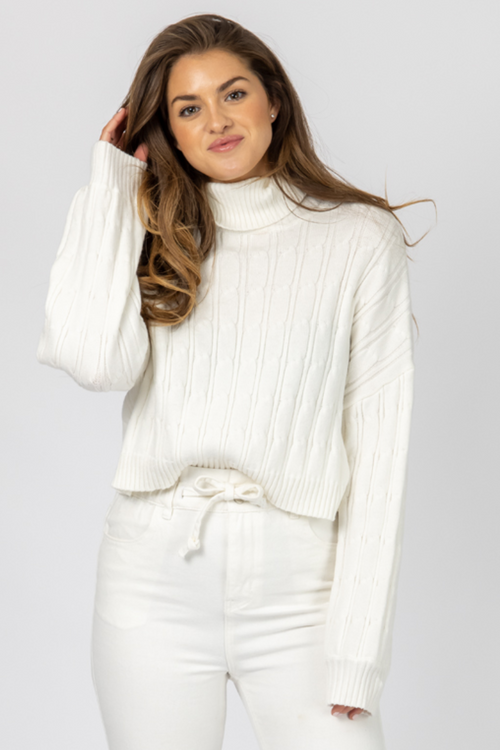 IVORY CABLEKNIT TURTLENECK SWEATER