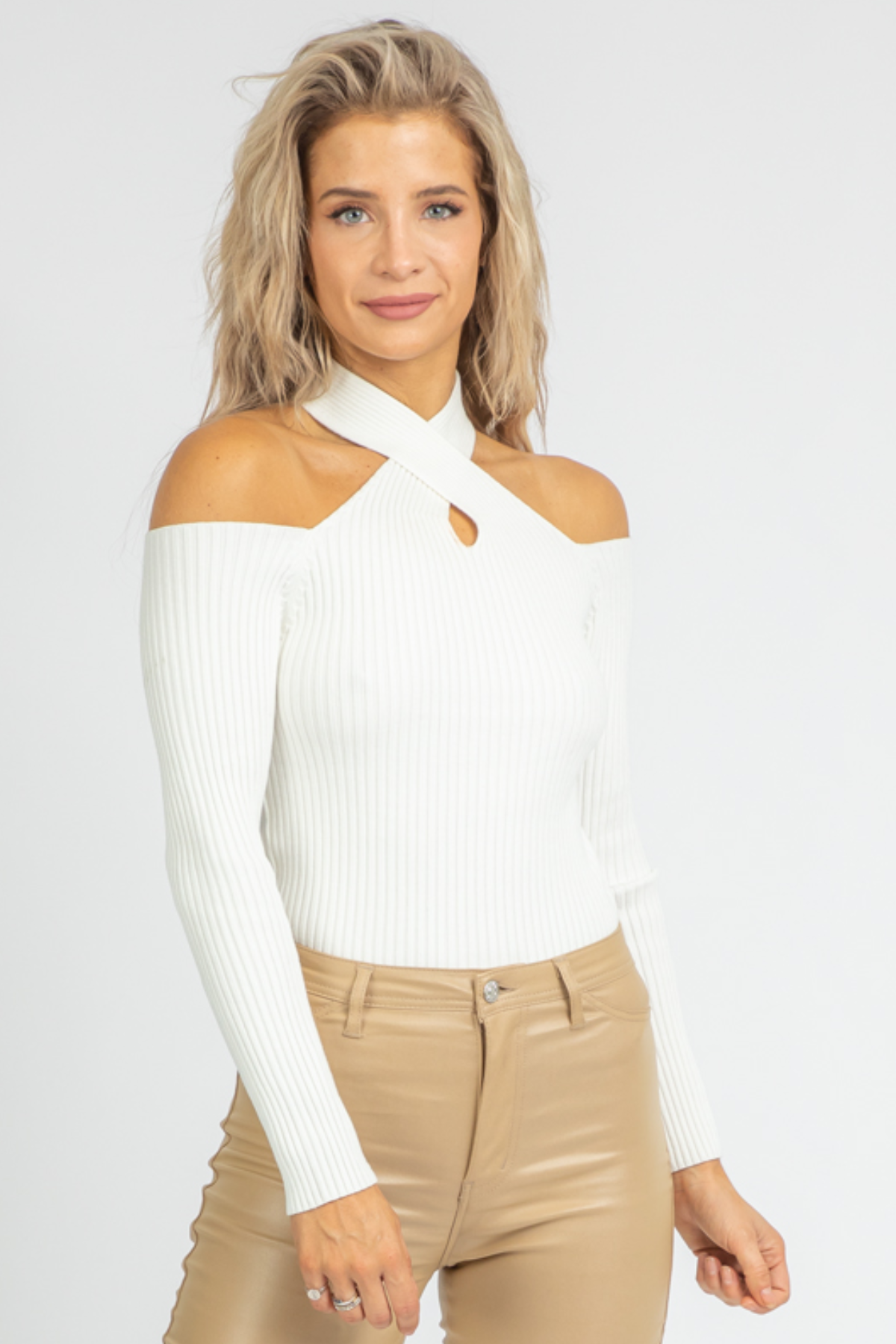 CREAM CROSS-NECK RIBBED KNIT