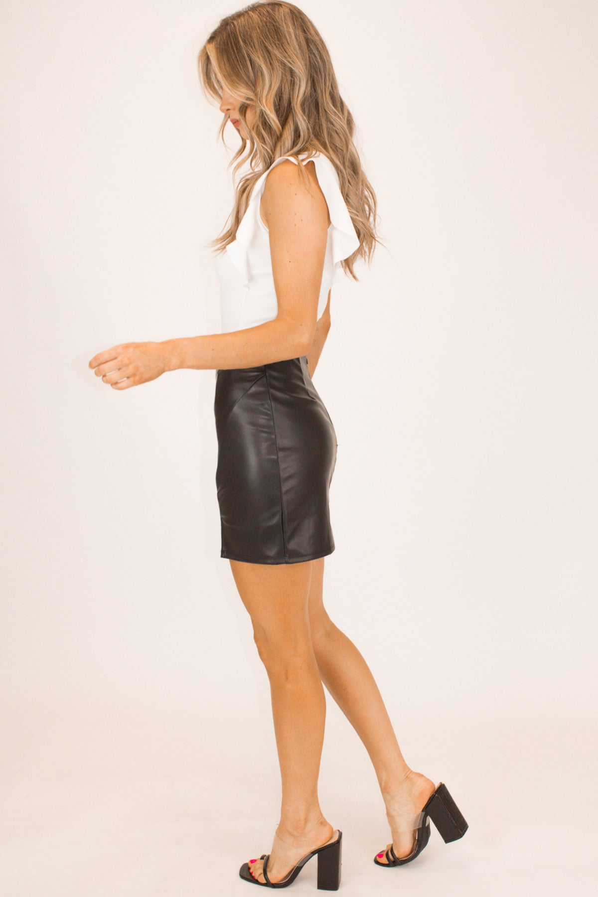 BLACK SIDE SLIT LEATHER MINI SKIRT