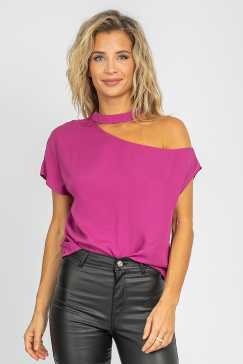 MAGENTA CHOKER RELAXED TOP