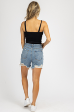 MEDIUM WASH MID-THIGH DENIM SHORTS
